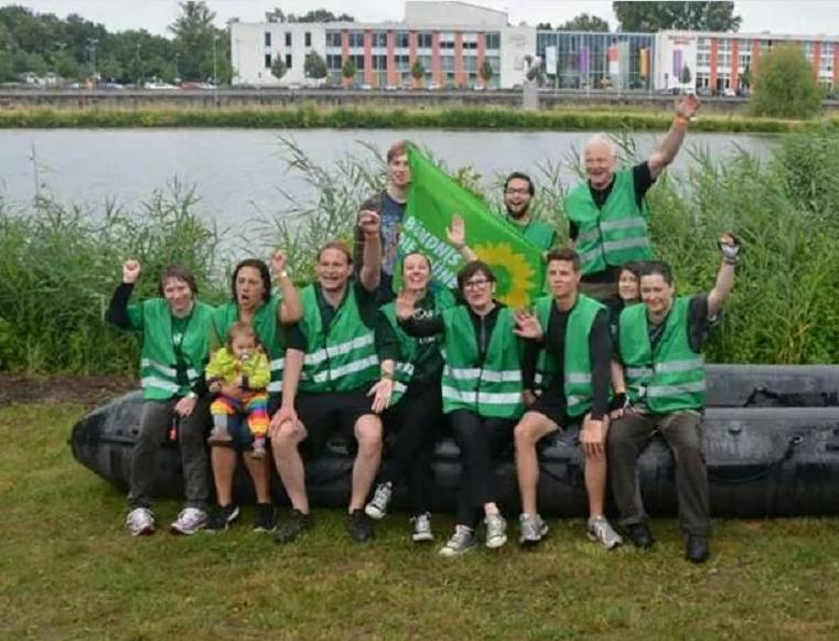 kreisverband schweinfurt 6 rotarian rowdy river raft race. Black Bedroom Furniture Sets. Home Design Ideas